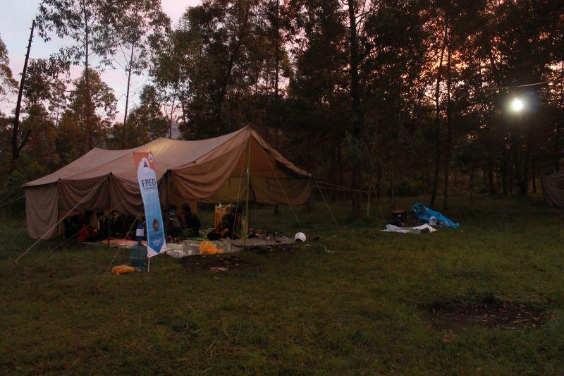 camp satelit